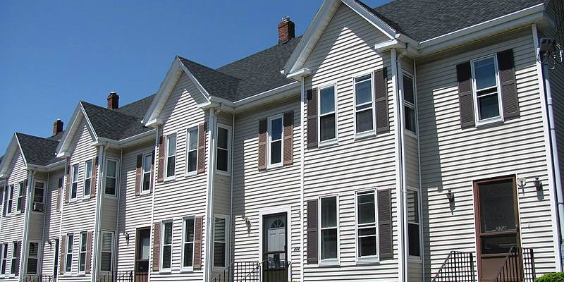 Row Houses Vs. Apartments: 5 Questions to Help Make the Right Choice for You
